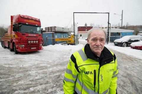 REAGERER: Bilberger Vidar Nilsen har jobbet langs romeriksveiene i flere år en de aller fleste. Han mener mandagens trafikkaos skiller seg ut fra foregående år.