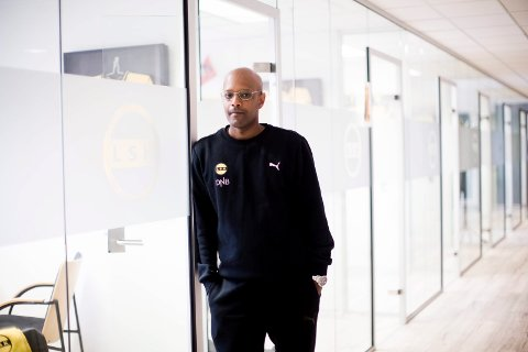 KAN DRA: Sportssjef Simon Mesfin i LSK sier at klubben vurderer å reise ut av Lillestrøm for å trene.