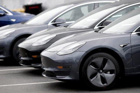 DYRERE LUKSUS: Ap vil fase inn moms på de dyreste elbilene.FOTO: NTB SCANPIX