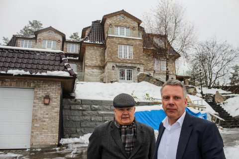 STORT PROSJEKT: Husbygger Ove Trøen (t.h.) og advokat Tom Solberg sier at Trøen har alt på stell. Det er ikke kommunen enig i.