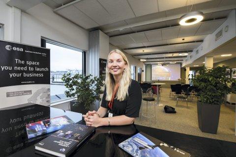 Vår hverdag: Norges nye ESA-ambassadør Kristine Løvflaten Koslung synes det er veldig spennende hvordan romfart-teknologi kan gi oss nye produkter og tjenester som er positivt for mennesker i hverdagen. FOTO: VIDAR SANDNES