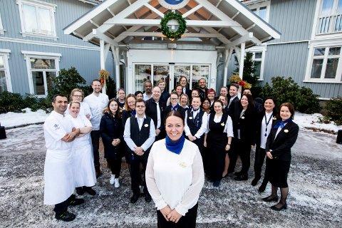KAN SMILE: Heidi Fjellheim og resten av de ansatte ved Losby Gods kan være stolte etter å ha å vunnet prestisjetung fagpris.