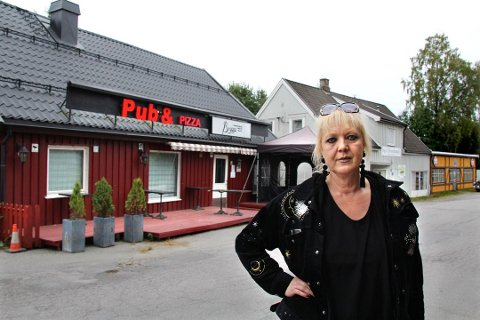 STENGER IKKE: Anisa Cuzovic Hoffmann vil bli tilbudt en ny leieavtale for Brygga Pub & Pizza.