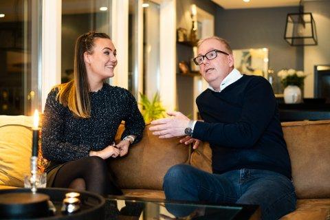 STØTTESPILLER: Kristine Aniva Sjøholt Lund (t.v.) og pappa Bjørn Runar Lund har motivert hverandre i løpet av Bjørn Runars ti år lange kamp mot kreften. – Jeg prøvde inni hodet mitt å se på dette som en lang influensa som skulle gå over, sier han og smiler.