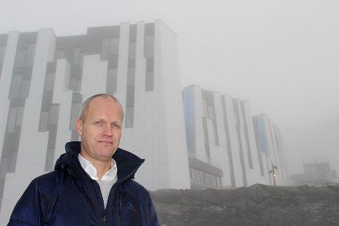 SATSER PÅ TURISME: Snøporten-direktør Erik Hammer foran den «varme sonen» av skihallen Snø, der butikkene og spisestedene skal ligge.