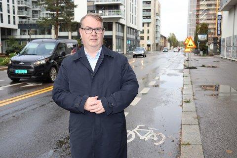 KREVER SVAR: Høyres Kjartan Berland ønsker en utregning som begrunner økningen i de kommunale avgiftene.