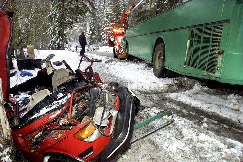Til alt hell kom Anders Kleven levende ut av denne ulykken. For 18 år siden satt han fastklemt i dette vraket.ARKIVFOTO: TOM GUSTAVSEN