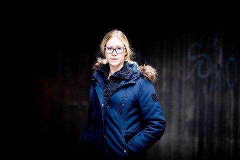 GJELDSSLAVE: Janne Lundhaug satt igjen med en gjeld på rundt 2,2 millioner kroner etter at samboeren svindlet henne.