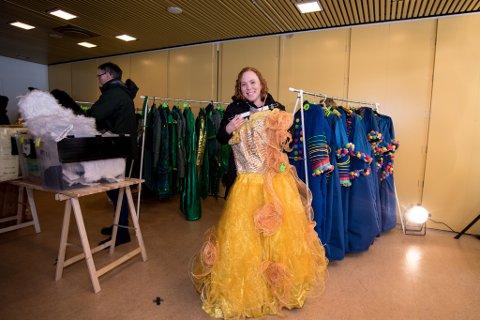 RETTE EIER: Christine Carson med kjolen hun brukte i rollen som Glinda i The Wiz.