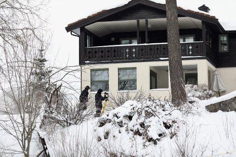 3D-KAMERA: Politiet var i slutten av februar på plass på eiendommen til ekteparet Hagen. Der ble det tatt i bruk et avansert 3D-kamera.