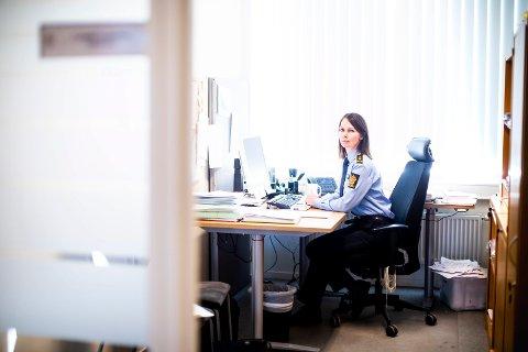 ADVARER: Politiadvokat Camilla Granstrøm i Øst politidistrikt tror ikke ungdommene forstår konsekvensene av sine egne handlinger. Nå står fire tenåringer tiltalt for å ha delt materiale som seksualiserer barn.