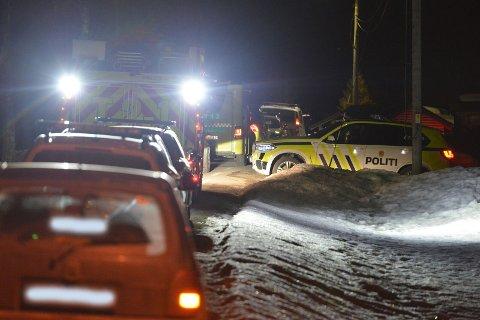 STORE STYRKER: Det ble en storstilt politiaksjon i Gjerdrum fredag kveld.