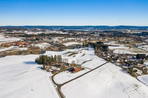 Støttum gård er en av bygdas eldste gårder. Interessen ved salget er stor. Foto: Ketil Koppang landbruks- og næringsmegling AS