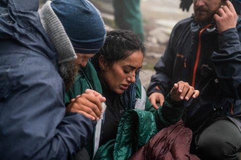 Preget: Vita Mashadi forteler at hun fikk blackout etter at hun mistet grepet i fjellveggen. Alle foto: Bård Basberg.