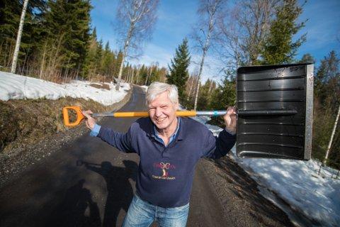SJELDENT GOD AVTALE : Thor Horgen fra Gansdalen ser ingen grunn til at kommunen skal avslutte ordningen med å brøyte private veier i Fet. Mandag fikk han støtte i kommunestyret.