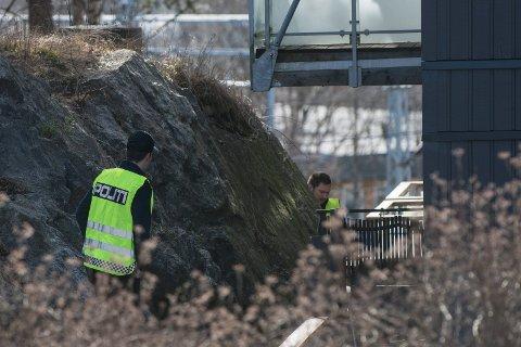 DREPT: En kvinne i 30-årene ble funnet drept på Strømmen mandag morgen. Eksmannen, en mann i 30-årene er siktet for drapet.