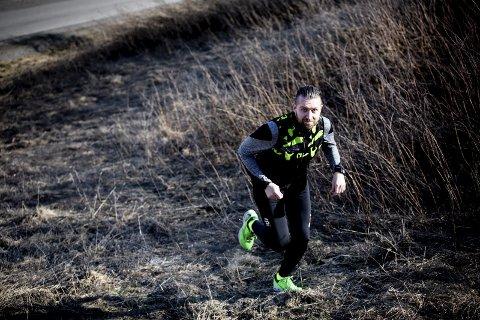 – UT AV SOFAEN: Ole Kristian Bakkene kom seg selv ut med løpesko for ni år siden. Nå ønsker han å hjelpe RBs lesere i form til BDO-mila 14. mai.