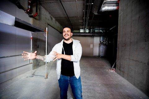 INNREDNING PÅ VEI: – Innredningen er spesialbestilt og skal komme kjapt på plass, forsikrer Süleyman Üzbas i det splitter nye lokalet i Lillestrøm.