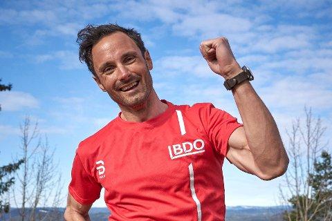 Hans Christer Holund fra Nittedal ble verdensmester på 50 km under VM i Seefeld i år. I dag stiller han til start på BDO-mila i Lillestrøm for å løpe 10 km i vakkert Romeriksterreng.
