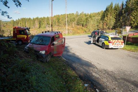 ENDTE I GRØFTA: Her endte den hasardiøse politiflukten for 24-åringen fra Skedsmo. Kort tid etter overga han seg til politiet. Nå har han fått dommen.