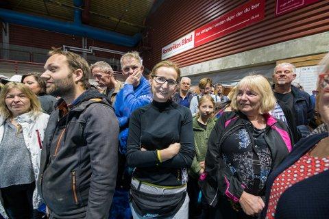 MØTTE OPP TIDLIG: Anna var en av de første kundene i Skedsmohallen da loppemarkedet åpnet lørdag.