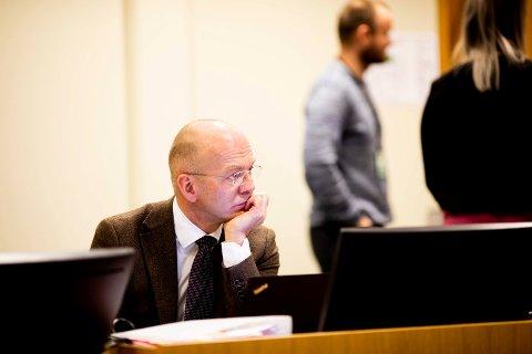REKORDERSTATNING: Koordinerende bistandsadvokat Christian Lundin la torsdag ned påstand om til sammen 25 millioner kroner i oppreisning til de mange fornærmede. Foto: Lisbeth Lund Andresen