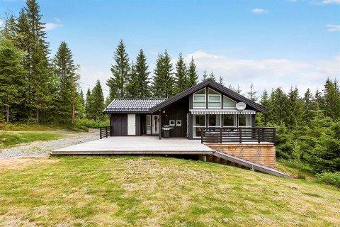 DYREST: Med 4.275.000 kroner som prisantydning er hytta ved Ørfiske i Nordmarka, beliggende i Hakadal, den dyreste som er til salgs på Romerike.