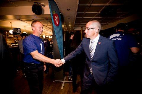 Willy Kvilten (H) og Tom Staahle (Frp) valgnatta 2015.