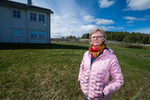 Nesten i mål: En måned etter at rådmannen ble bedt om å lande et nytt kjøpstilbud til de 22 beboerne er partene endelig i mål. Her med Marianne Mikkelsen, styreleder i Lillehaugen borettslag.