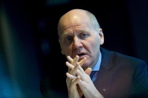 IKKE VÅR FEIL: Kravstore norske kunder og vanskelig geografi har skylden for de høye mobilprisene i Norge, mener Telenor-sjef Sigve Brekke. Foto: Paul Weaver