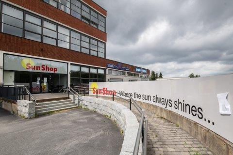 LEGGER NED: Sun Shop hadde flere år med minusresultater, nå er solstudioet konkurs.