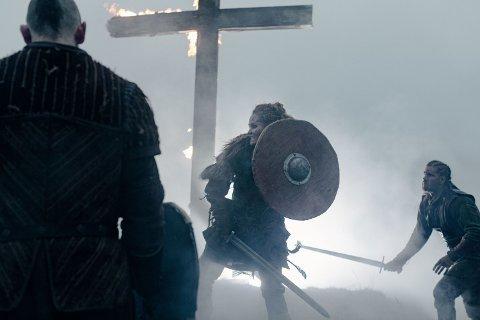 DRAMATIKK: Vikingslaget ved Nes kirkeruiner er en actionfylt del av HBO-serien «Beforeigners».