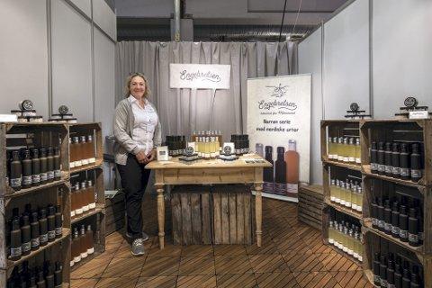 Frir til nisjebutikker: Anita Guneid, daglig leder i Engebretsen, satser på å få produktene ut i gårds- og interiørbutikker. ALLE FOTO: VIDAR SANDNES