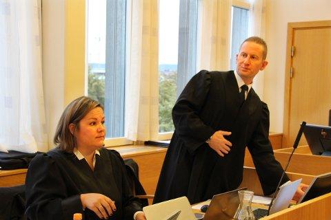 AKTORATET: Statsadvokat Tomasz Edsberg og medaktor Silje Haugerstuen Bergsholm.