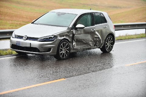 TRUFFET: Slik ser bilen som ble truffet ut.