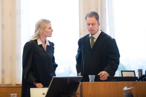 BISTAND: André Berven er bistandsadvokat for kvinnen som fortalte seg tirsdag. Ingrid Salberg Brekke er en annen av bistandsadvokatene i saken.