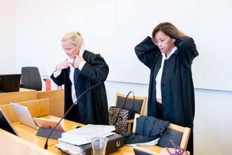 FORSVARERE: Sol Elden (t.v.) og Sidsel Katralen er forsvarere for den tiltalte gynekologen.