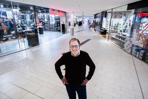 NY BUTIKK: Senterleder Per Kristian Trøen ser fram til å ønske den nye butikken velkommen.