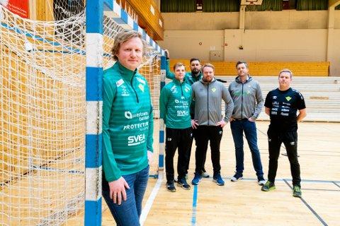 Morten Nergaard (foran) er klar for Fjellhammer. Her sammen med Michael Rehnqvist, Kristian Bliznac, Marius Andersen, Karl Rikard Sillén og Einar Karlsen.