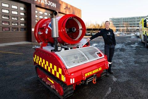 SLUKKEROBOT: Denne roboten var på vei til Sola tirsdag ettermiddag for å bistå i brannen i parkeringshuset på flyplassen.