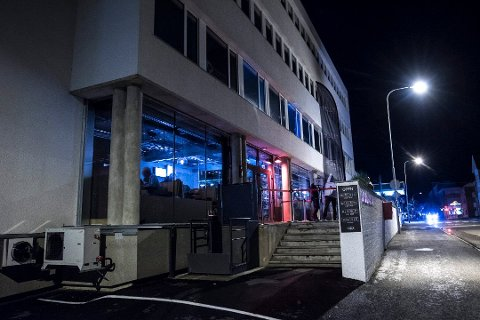 STENGT: Natt til søndag valgte politiet å stenge Fuser Bar og Fôr i Lillestrøm. De mente det ikke var forsvarlig å holde stedet åpent. Nå har kommuneoverlege Bettina Caroline Fossberg vedtatt stenging med umiddelbar virkning. Foto: Vidar Sandnes