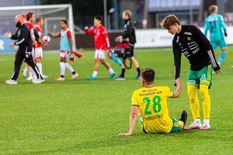 LANGT NEDE: Stian Ringstad og Elias Solberg var to av de bedre hos Ull/Kisa lørdag, men klarte ikke å skape de store målsjansene for laget fra Jessheim. Her er de to etter tapet for Kongsvinger tidligere i år.