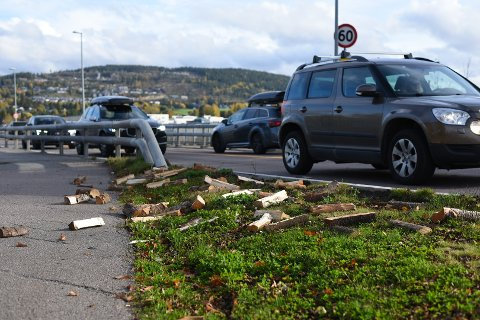 UHELL: Det var ved spredd over et større område etter kjøringen.