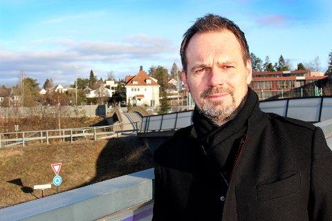BEKYMRET FOR BÆREKRAFTEN: Kommunedirektør Ragnar Christoffersen i Lørenskog varsler harde prioriteringer i åra framover.