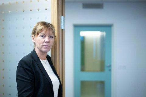 ENDRER TIL GULT: Kommunedirektør Trine Wikstrøm i Lillestrøm kommune, opplyser at det blir gult nivå på ungdomskolene i kommunen fra og med mandag 7. desember.