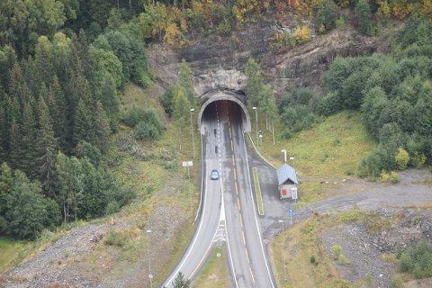 STENGES: I tre måneder vil det ikke være noe trafikk gjennom Lunnertunnelen grunnet vedlikehold.