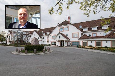 TØFFERE: Hotelldirektør Geir Harald Opdal Fjellheim (innfelt) sier det er mye møtevirksomhet nå etter at kommunen vedtok nye koronarestriksjoner.