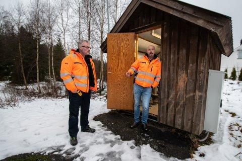 OPPGITTE: Jarl Magne Grefstad og Jon Terje Vågen mener at folk må innse konsekvensene av å tømme matfett i vasken.
