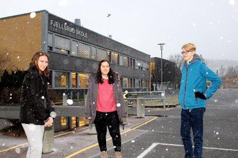 FINT Å BLI HØRT: Lejdi Topciu (t.v.), Dlar Ibrahim Salih og Anton Halsaa fra 9A på Fjellsrud skole sier de har lært mye om demokrati som følge av kommuneplanarbeidet.