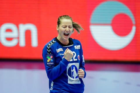 Norges keeper Silje Solberg under finalen i håndball EM 2020 mellom Frankrike og Norge i Herning.